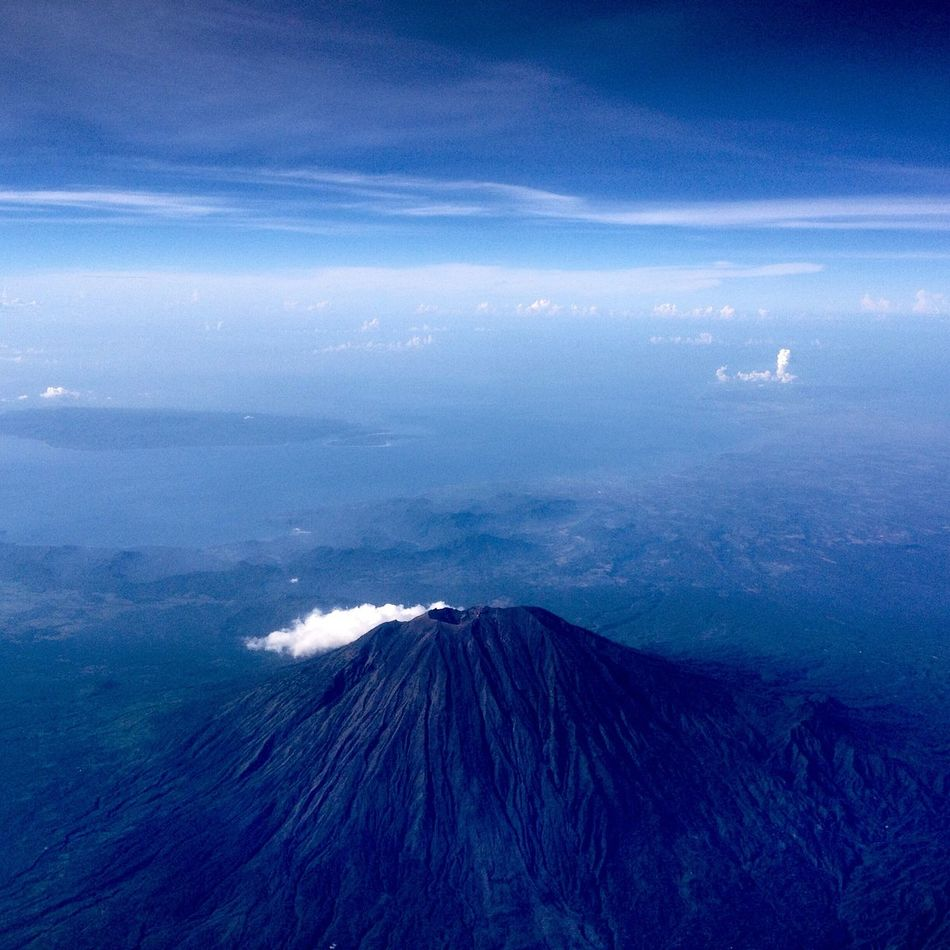 Agung mountain. Located on Bali island. That's a sacred mount for Indigenous Balinesse people. Mountscape Baliisland Outsideairplanewindow