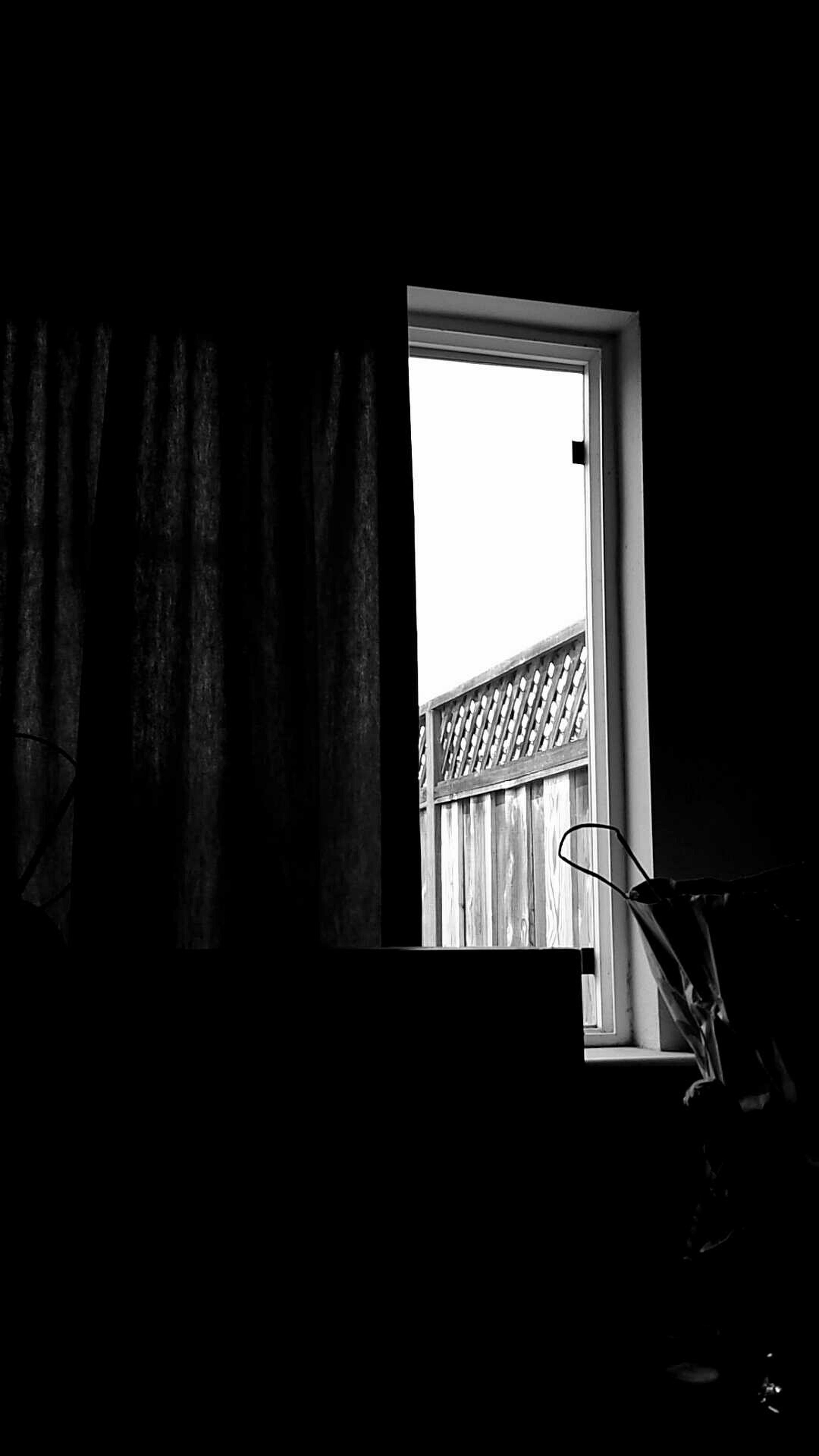 Window Hotoutside Inside Room Ihatethisheat