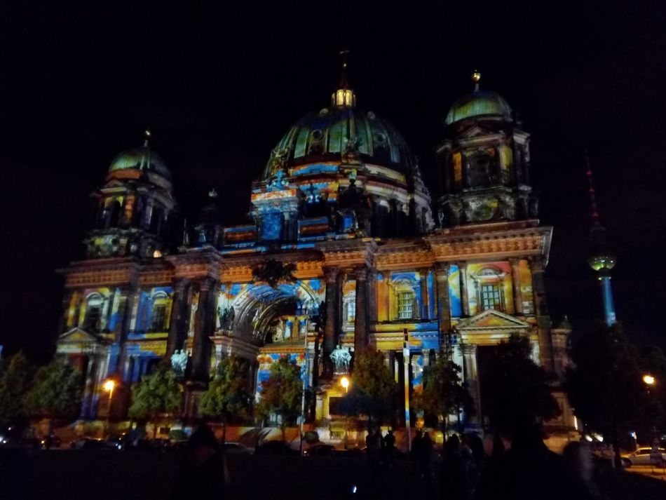 Night Illuminated City Architecture Dome Travel Destinations Tourism Outdoors City Christmas Lights Lights Festival Festival De Luces Luz Ilumination Berliner Catedral Buildings Architecture Cathedral Alemania Germany Berlin Religion Travel