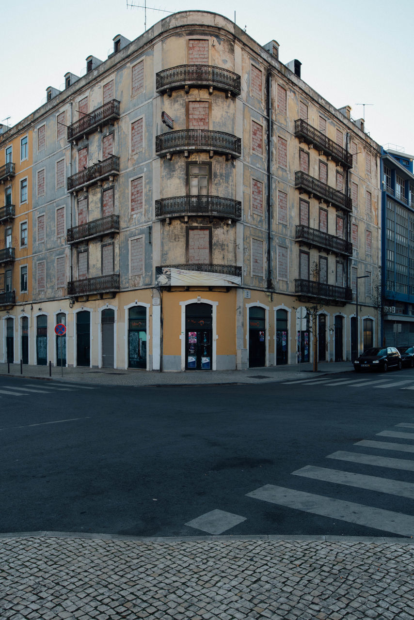 architecture, building exterior, built structure, street, outdoors, day, no people, city, sky