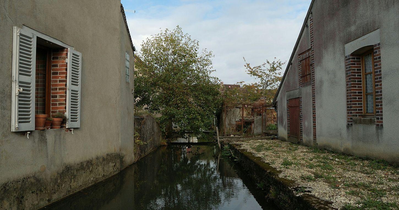 Bleneau Commune Architecturerurale Eau Puisaye Coeurdepuisaye Yonne Yonnetourisme Igersyonne Igersbourgogne Grainedenature