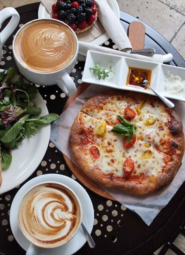 follow to see more awesome photos Coffee ☕ Pizza Pizzalover Morning Food Relaxing Sweetmorning Art Blackberry Pudding