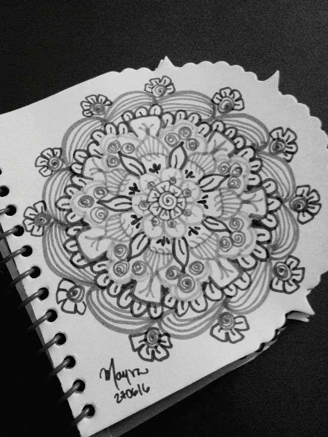 Drawing ✏ Black And White Zentangleart Zendala Zentangle Mandala Mandala Black&white Concentration Being Creative. Expressing Myself. Relaxing Taking Photos