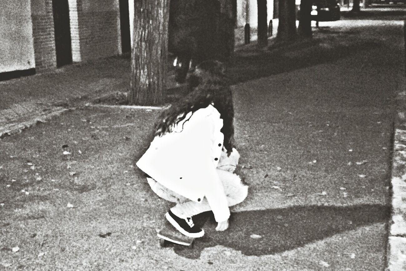Girl Skate Skater Girl Like Photo Black And White Street Cool