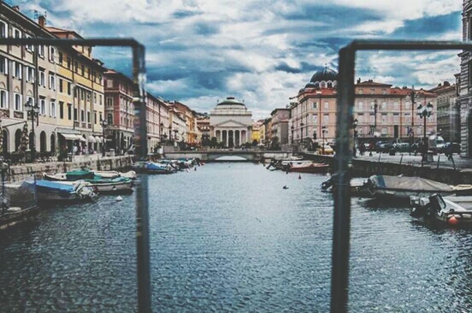 Trieste Lampgrafic Italy Maurovaragnolo@tin.it Urban Escape Canal