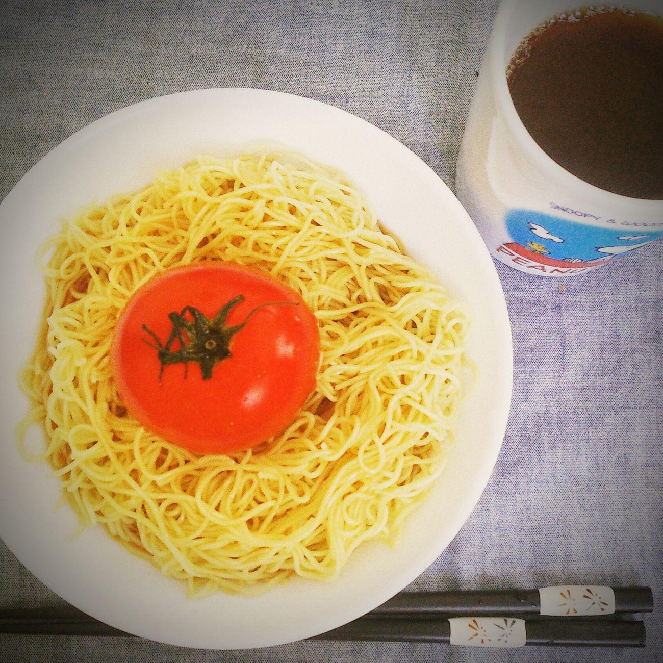 大胆すぎる冷やし中華 冷やし中華 Lunch Enjoying Life おいしい Tomato トマト ズボラ飯 結局 丸かじり