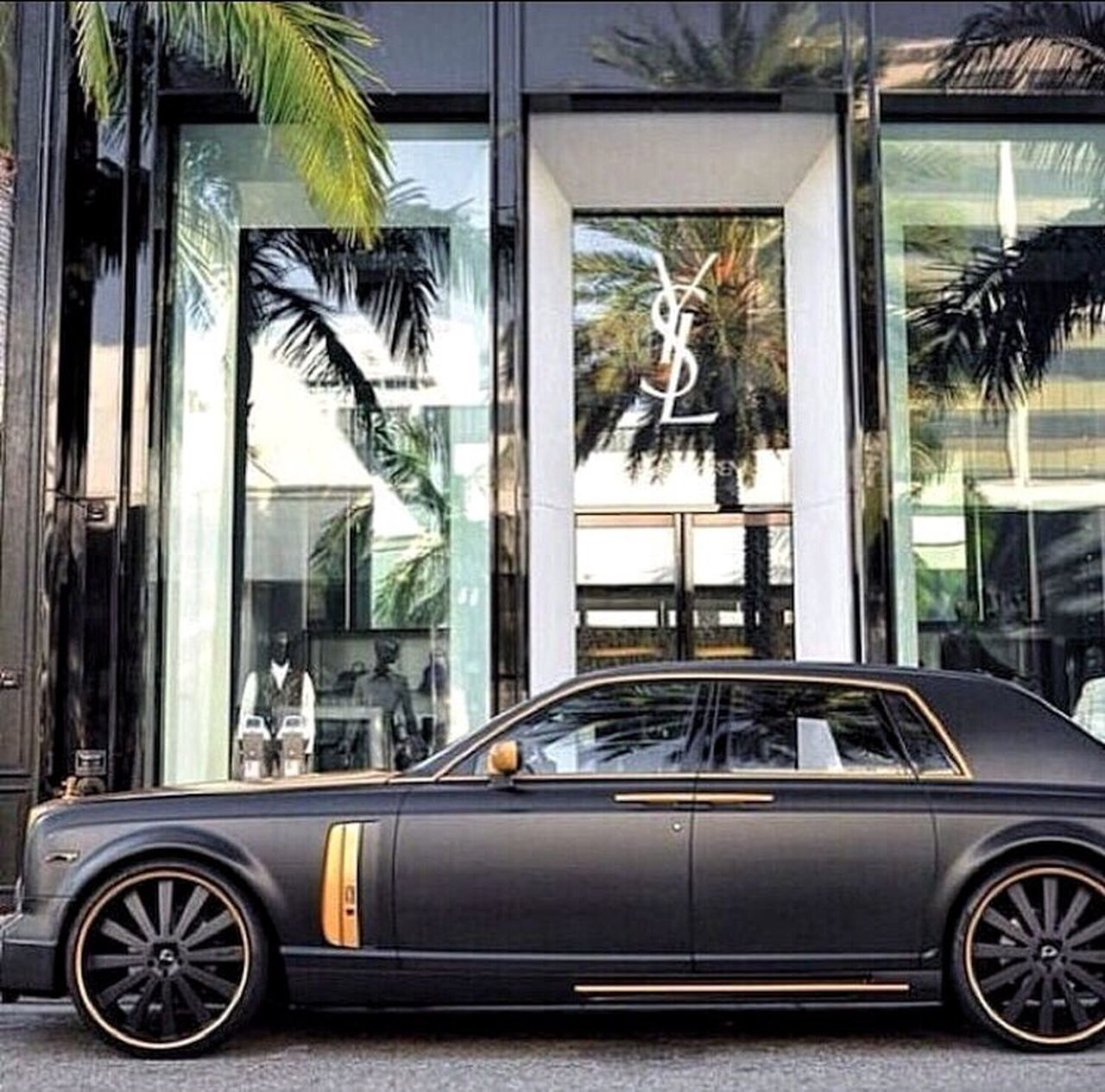 ⚫️ Black matte Rolls Phantom w/ gold details 🔸 YSL | 📍join us on instagram for more billionaire lifestyle content 👉 same name @billionairelabel Billionaire  Billionairelabel Luxury Insta Instafollow Instadaily Instamood Instalike Instagood Followme Follow Like Like4like Likeforlike TBT  Igers Vscocam VSCO Car Rolls Royce Rollsroycephantom