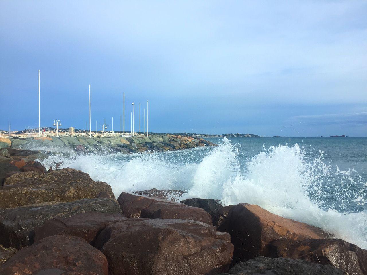 Power In Nature Bord De Mer Vague Rocher Mer Mediterranée Mer Sea Water Mer Mediterranée