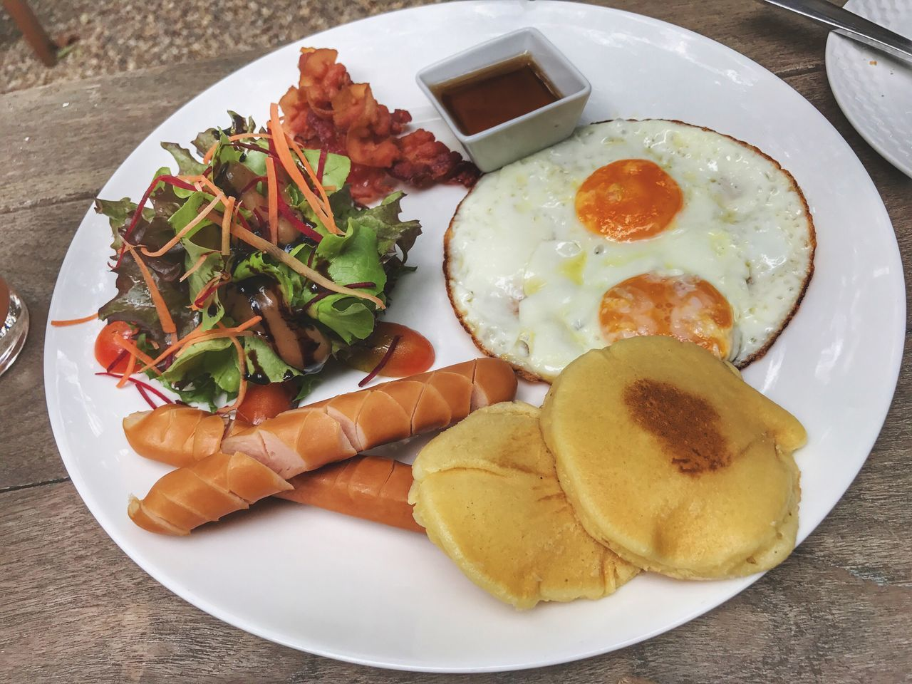 Ready-to-eat Food And Drink Food Plate Freshness Fried Serving Size Breakfast Fried Egg Table Close-up Indoors  Meal No People English Breakfast Healthy Eating Bacon Sausage Fried Potato Egg Yolk Breakfast Pancake Tasty Yummy