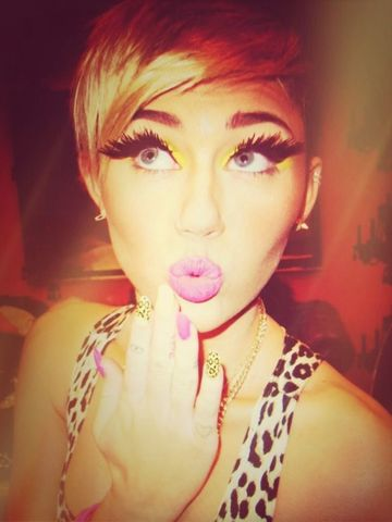 Shes so goregous Beautiful Miley