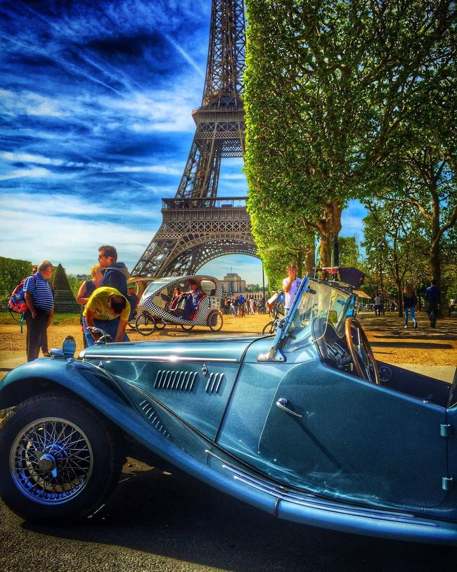 Colors Colorful Cars Eiffel Tower Paris France Architecture Sunset EyeEm Nature Downtown View Trees Light And Shadow Building Art, Drawing, Creativity HDR EyeEm Best Shots Enjoying Life Shadow Photography Clouds And Sky Sunlight Sunny Darkness And Light