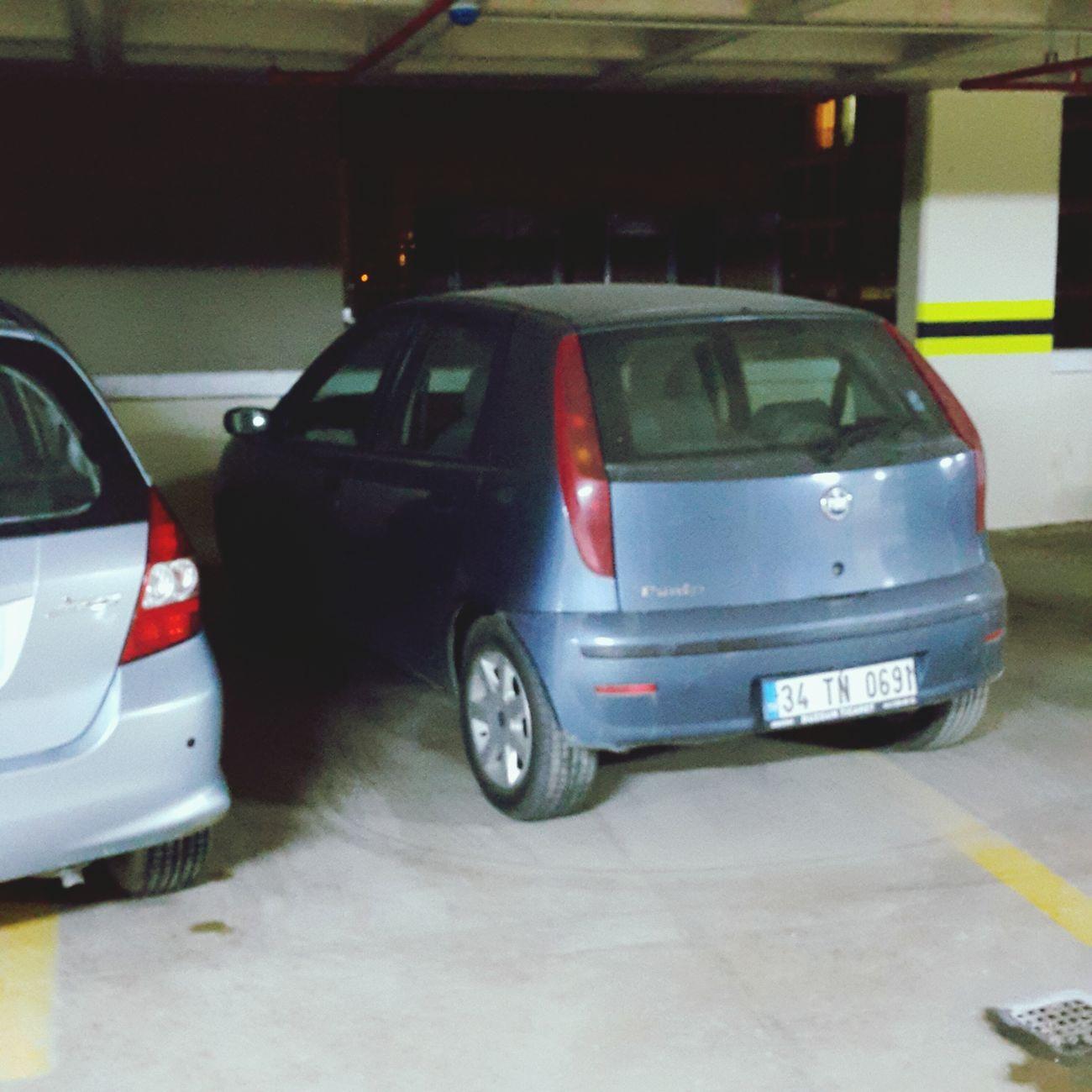 Araba böyle park edilir :) Park Otopark