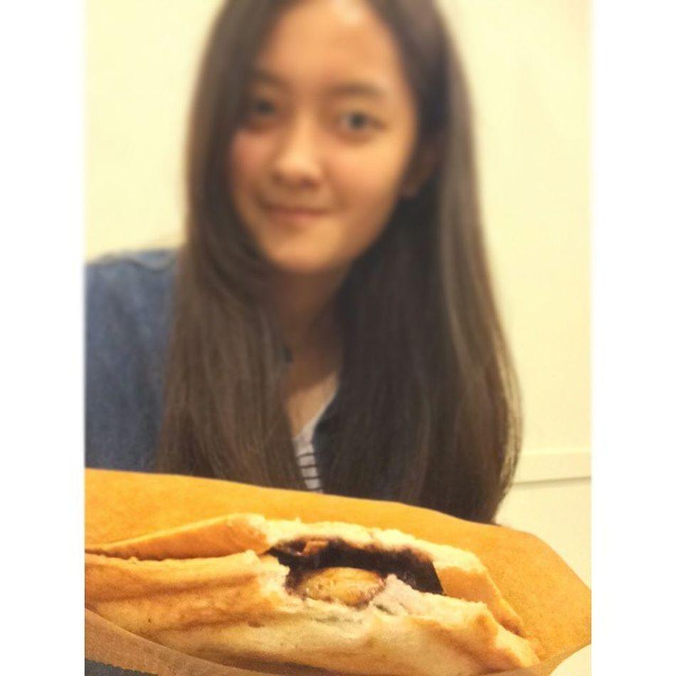 20141022 宜庭愛吃 這次 終於吃到熱騰騰的香蕉巧克力脆片 😍