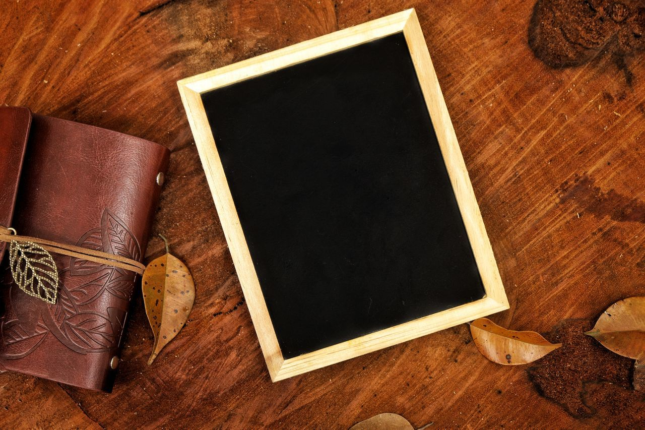 Blackboard and note on wooden log Book Blank Close-up Reminder Day Vacations Textured  Copy Space Abstract Chalkboard Wooden Log Wooden Nature Outdoors Adventure Empty Hiking Camping Backgrounds Space Picture Frame Retro Styled Brown Frame Photograph