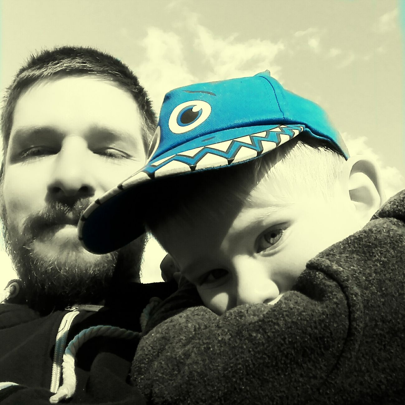 Vater & Sohn Fatherhood Moments Love ♥ Father & Son Father Son Children Blue Gray