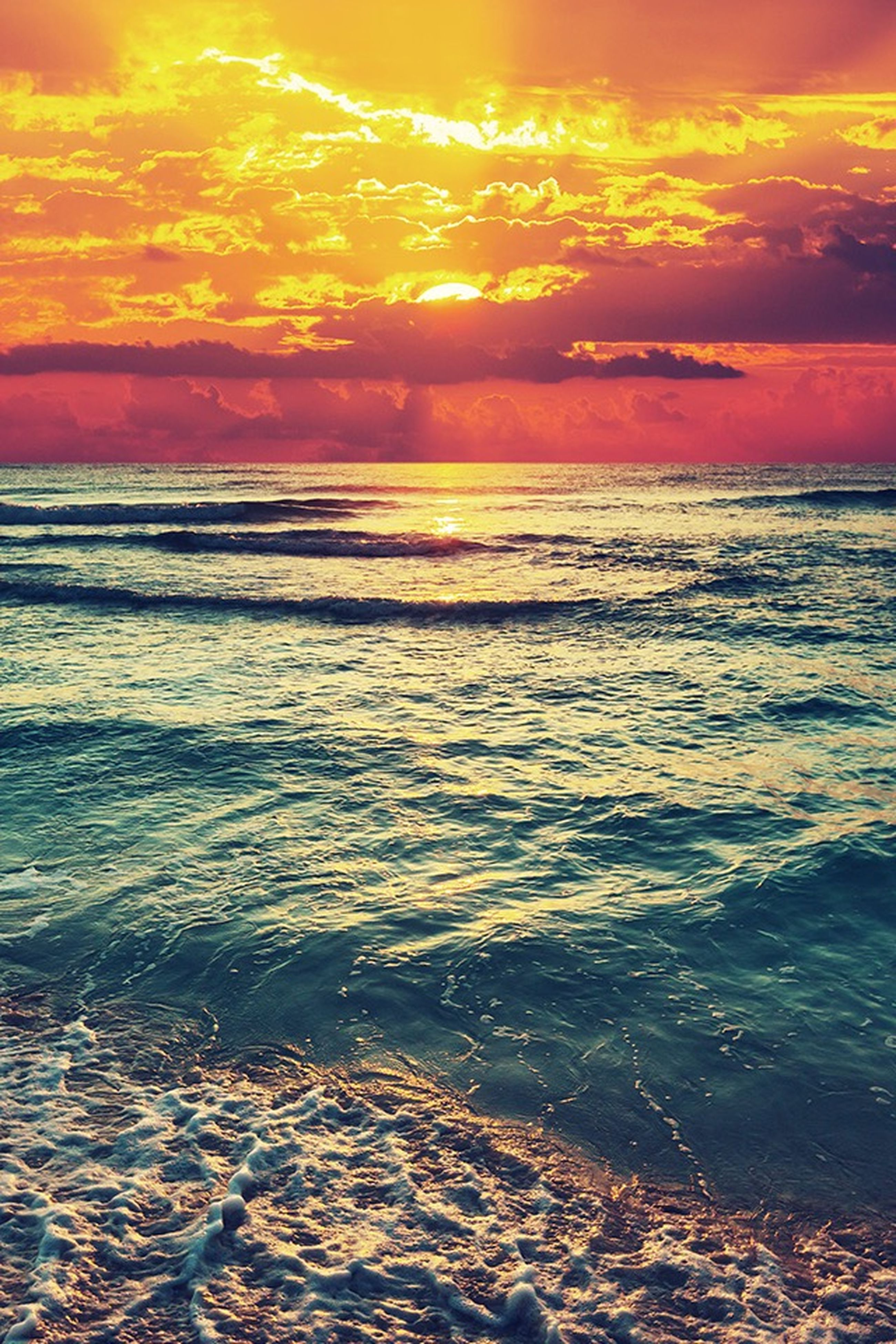 sunset, sea, water, horizon over water, scenics, beauty in nature, sky, tranquil scene, orange color, tranquility, beach, idyllic, cloud - sky, nature, shore, wave, sun, dramatic sky, reflection, seascape
