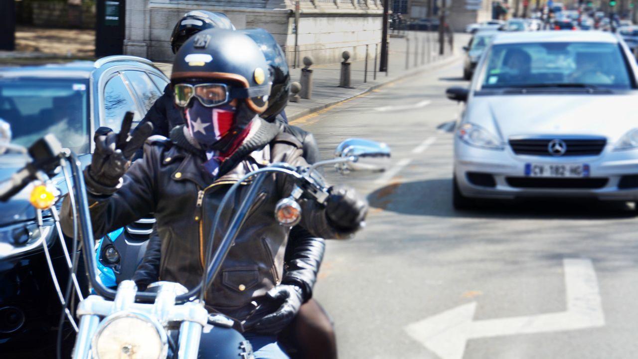 City Life City Street Day Land Vehicle Mode Of Transport Moto Motocicleta Motocicletta Motorbike Motorcycle Motorcycles Motorrad On The Move Outdoors Peace Peace And Love Peace ✌ Pikipiki Road Street Transportation Travel мотоцикл دراجة نارية 摩托车
