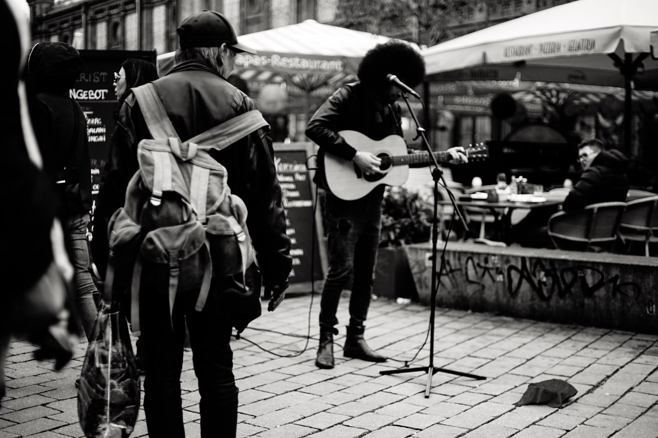 Street Streetphotography Street Musician Berlin Berlin Photography Berlincity Gernany Blackandwhite City City Life Guitar EasyJet Vscocam VSCO Sony Sonyalpha Sony A7 Sonyphotography