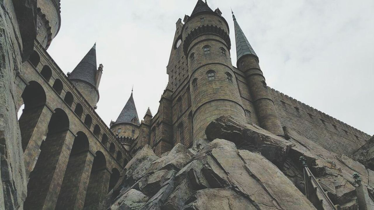 Hogwartz Low Angle View Architecture Building Exterior Travel Destinations Outdoors Low Angle View Architecture Built Structure Building Exterior Sky Tower Travel Destinations History City Outdoors
