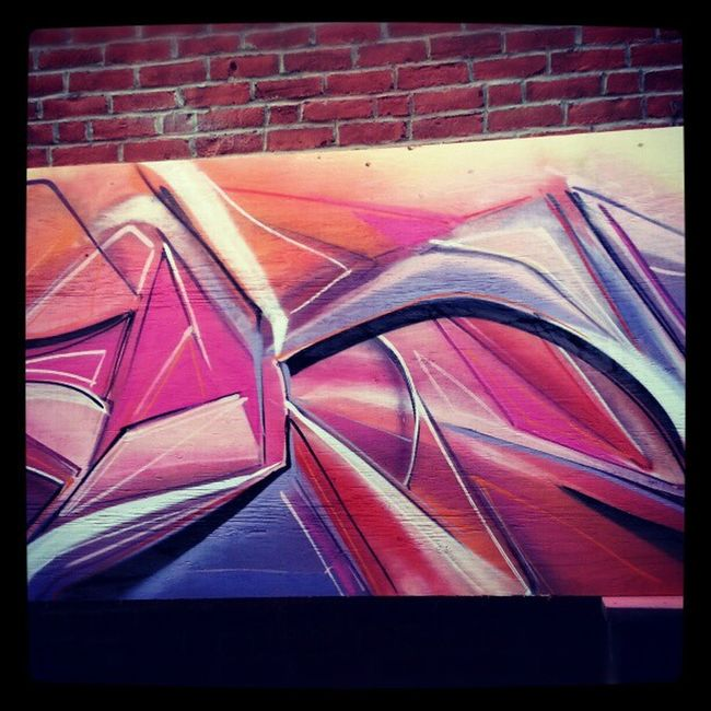 Abstract Mastrocola Colorize Painteveryday cantstop Spraypaint pink purple orange bricks wood