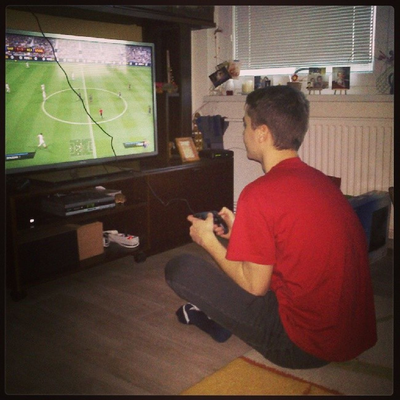 Feťák...... Dává si dávku FIFA 14 Fifa14 Addiction Fotbalekpičo
