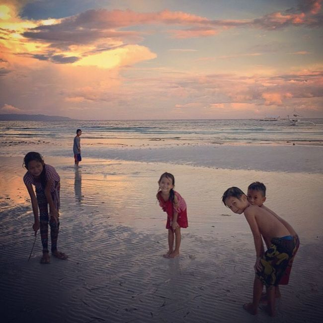 I believe the children are our future. The Street Photographer - 2016 EyeEm Awards Kids At Play Innocence Kindness Friendliness Friends Friends Hanging Out Beach Sunset Panglao Bohol Philippines Eyeem Philippines Everyday Lives The Great Outdoors The Great Outdoors - 2016 EyeEm Awards Everyday Joy Everyday Emotion Landscape Outdoor Photography Streetphotography People Of The Oceans 43 Golden Moments