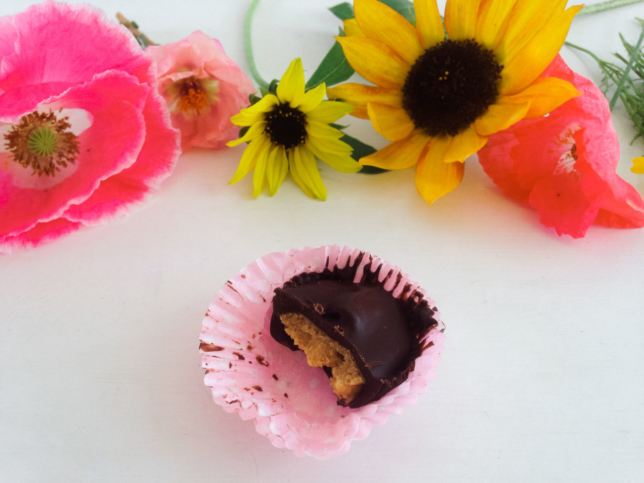 Chocolate Dessert Flower Flower Head Flowers Freshness High Angle View Homemade Indoors  No People Peanut Butter Petal Pink Pink Color Plate Poppy Flowers Sunflower Sweet Food Sweets Valentine's Day