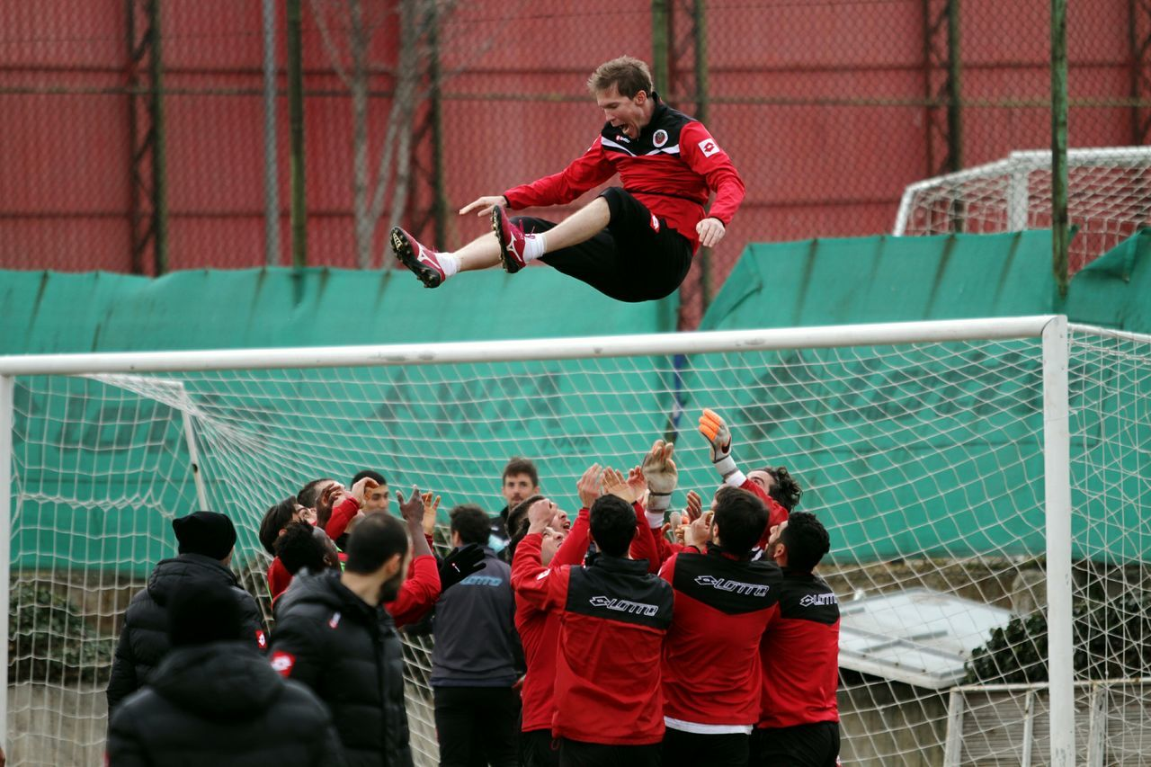 Aleksandr Hleb Hleb Flies Barcelona Arsenal Stuttgart Ankara Belarus Bate Training