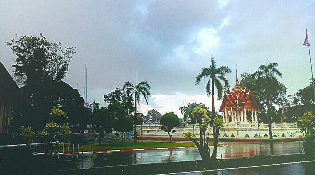 ฟ้าหลังฝนมันสวยเสมอ. อนทนหน่อย☔✌😁