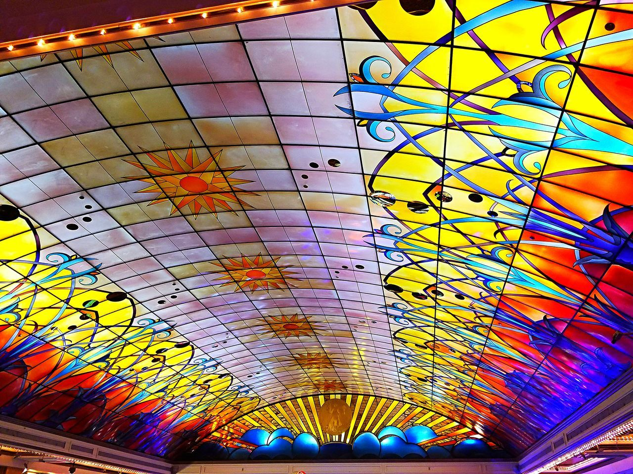 Pattern No People Check This Out 😊 Backgrounds Looking Up Ceiling Light  Arched Ceiling Indoors  Casino Night Life