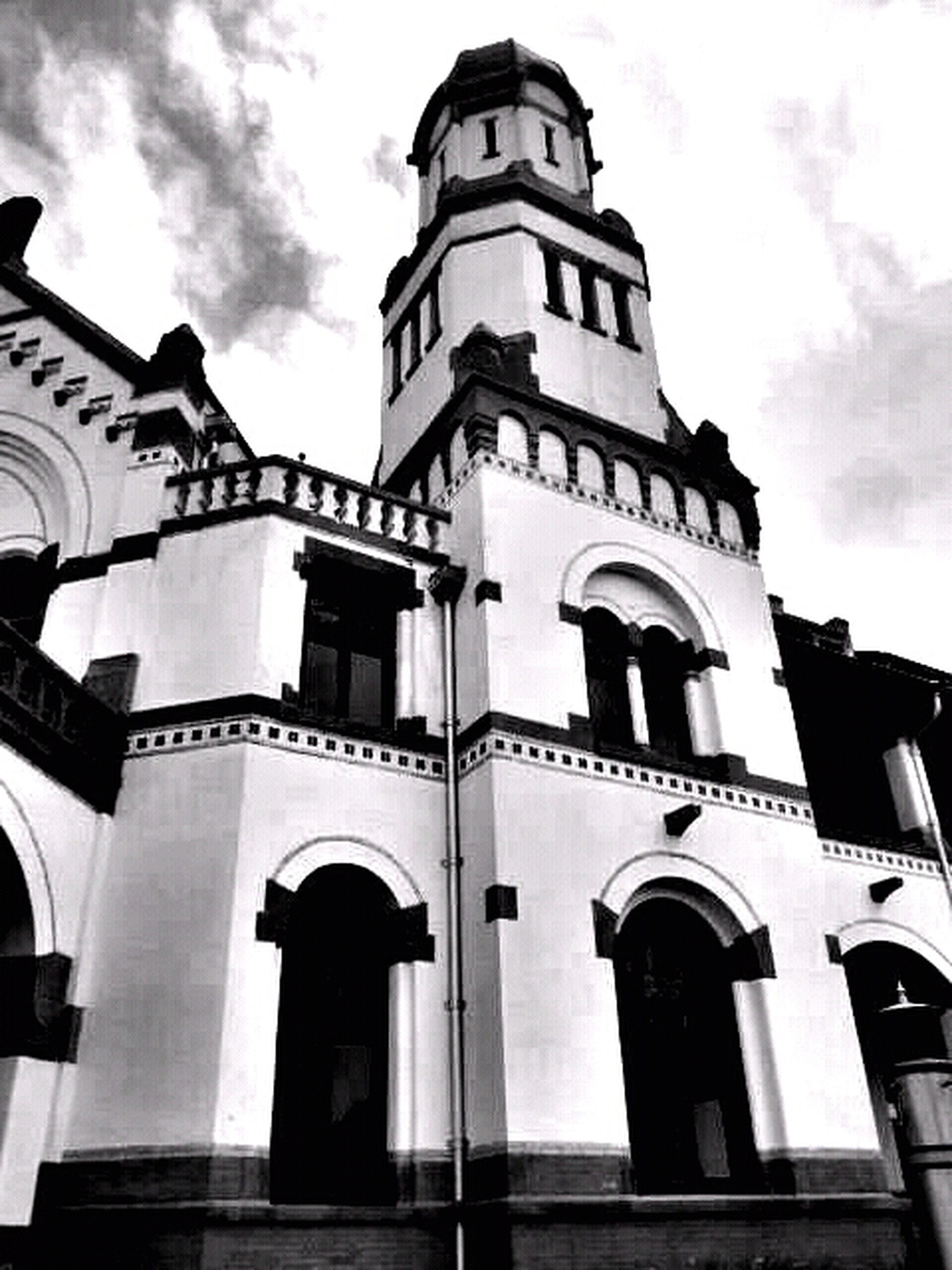 #fortheloveofblackandwhite #building #indonesia #simplicity