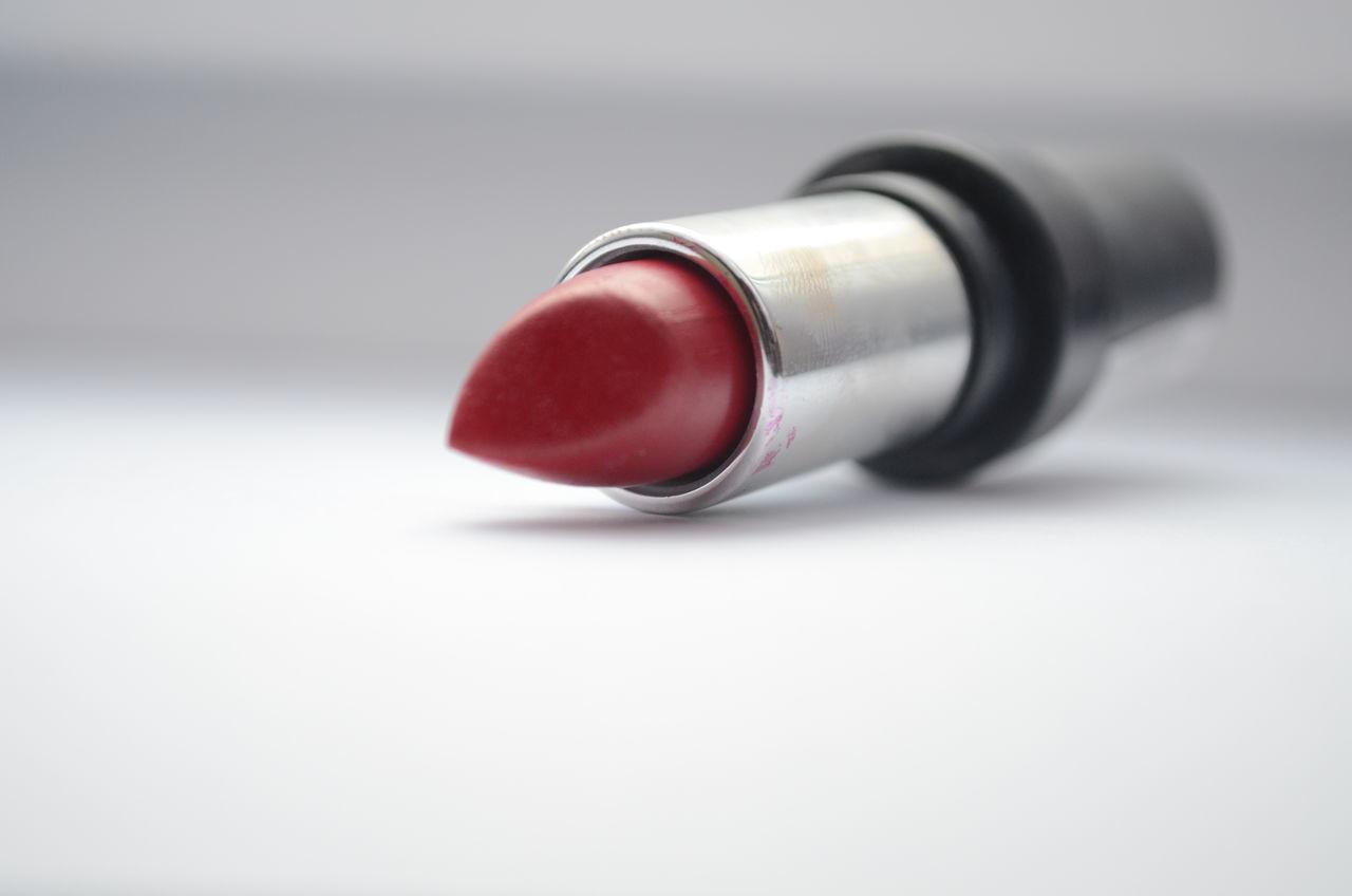 Lipsmakeup Lipstick Makeup Makeup ♥ Makeupartist No People Red Redandwhite Redlipstick