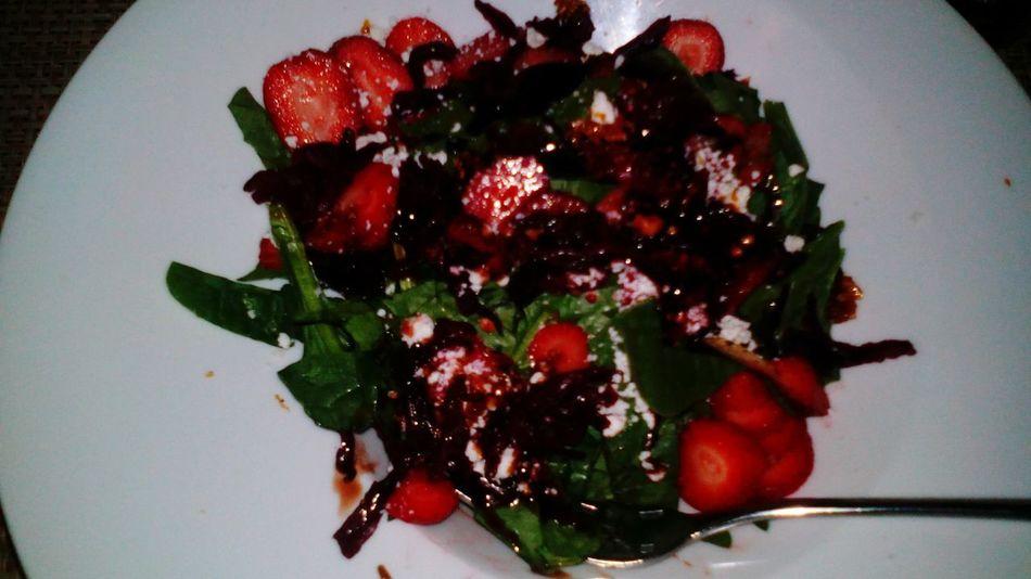 Salad of Jamaica Flowers, Strawberry and Spinach.... Ensalada de Flor de Jamaica, Fresa y Espinacas.. Salad Helthyfood Dinner