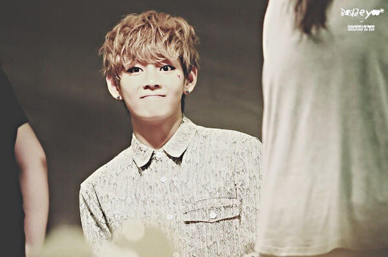 His face is so UGH Kpop BTS BTS Bangtan Sonyeondan Bangtan Bangtanboys Taehyung Kimtaehyung Bts V