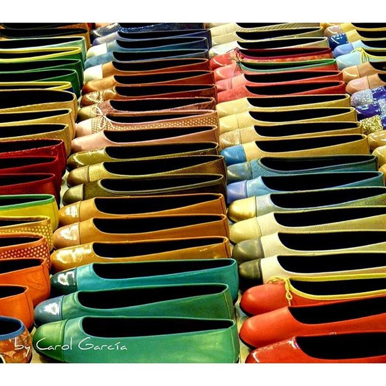 Uno para cada día Chumbea Colors Colores Zapatos Shoes Primerolacomunidad Descubriendoigers Lovecolors Photo Composition SPAIN Varios Diversidad Landscape Total Amazing Beauty Beatiful Complementos Rojo Red Verde Green Amarillo Yellow happycolors coloryourlife coloryourworld total_colors