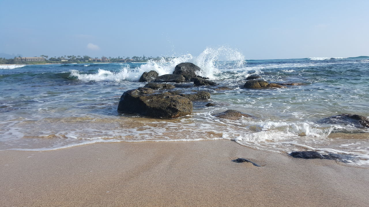 Sea Water Wave Motion Outdoors Splashing Horizon Over Water Tranquility Kauai Life Beach Photogrqphy Serenity And Nature Beach Life Rocks In Water Full Frame Oceanview Oceans Sky Lydgate Beach Power In Nature