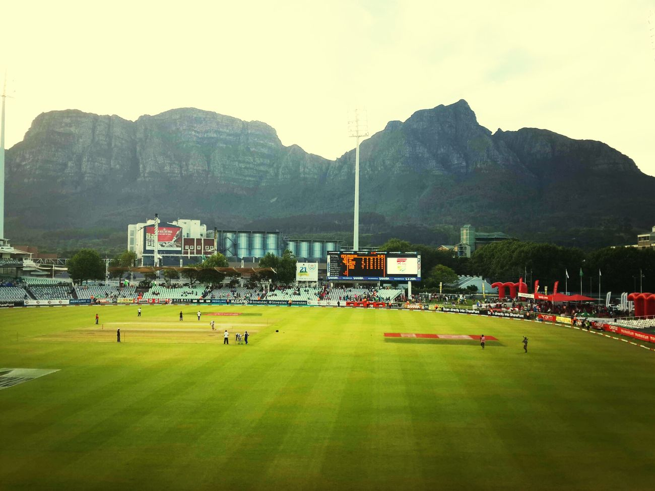 Sunday was Hot ...watching PAK V SA ... at Newlands Sahara Park Southafrica Capetown Sport Watching Cricket