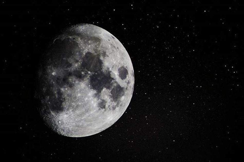 Moon Star Night Sky Canon Canon1200d Tamron Canon_photos Canonphotography Space Finland Kuu Avaruus Tähti Taivas Outdoor Outdoorphotography Moonlight