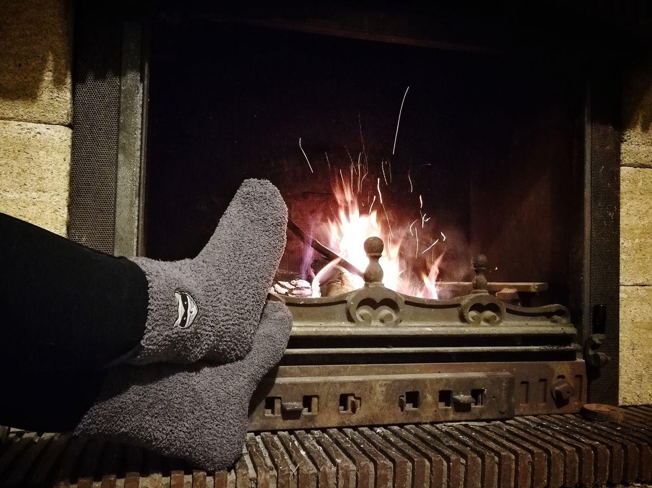 Les arpions près de l'âtre. TK Maxx Socksie Flame Human Body Part Heat - Temperature Indoors  Occupation Feet
