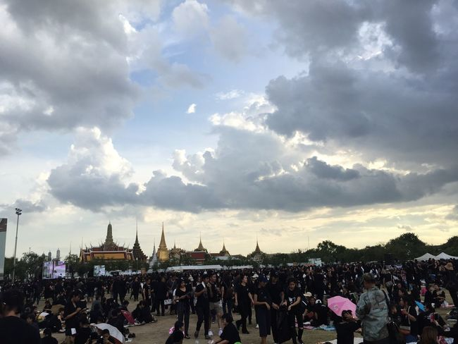Grand Palace Crowd Cloud - Sky Sky King Of Thailand Bhumibol Adulyadej King Love People And Places