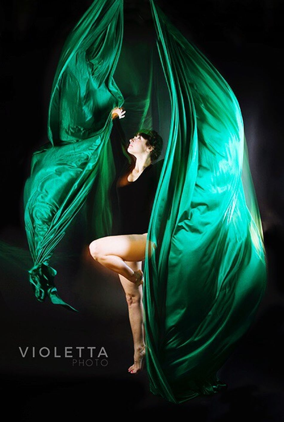Green Color People Full Length Silk Aerial Photography Photography Photo Project Dancer Dance Photography Moving Motion Photooftheday Chicago Beautiful Woman Beauty Beautiful People