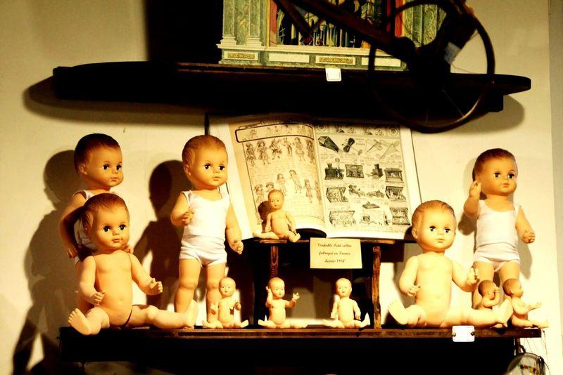 Canon_photos Eyeemphotography Photography Antiquity Antiquités Quincaillerie Close-up Indoors  History No People Antique Tradition Poupées Jouets Old Toys Vintage Moments Eyeemphoto Antique Dolls