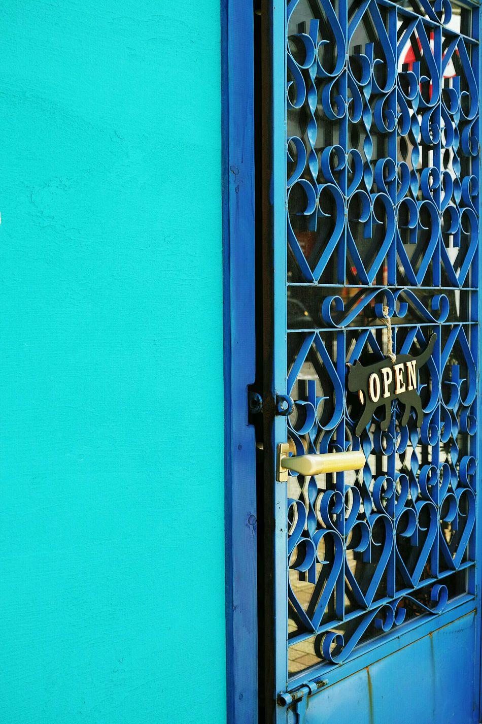 Showcase June Door Blue Turquoise By Motorola Turquoise Doorporn Doors Lover Interior Design Architectural Detail Streetphotography Streetphoto_color Street Photography Getting Inspired EyeEm Gallery Open Edit