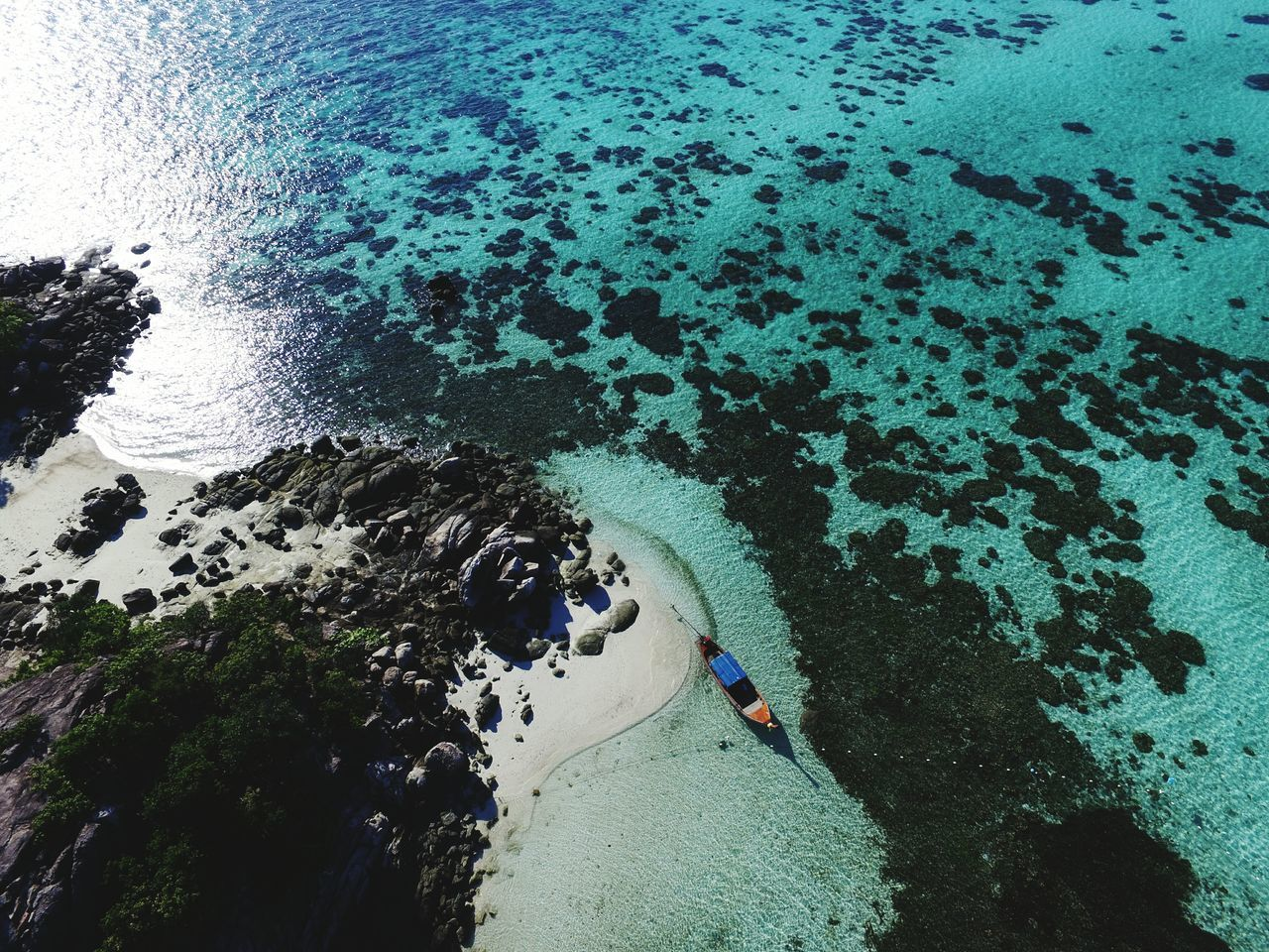 Aerial view of Koh Kra.. Long tail boat waiting for tourist near the beach Nature Beauty In Nature Outdoors Vacations Sky Scenics Thailand Island Beachphotography Coral Bay Corals Landscape Travel Destinations Aerial View Aerial Photography Satun Province Beach Photography Tree Water Sea Miniature Nature Seascape Landscape_photography Real People Flying High Flying High