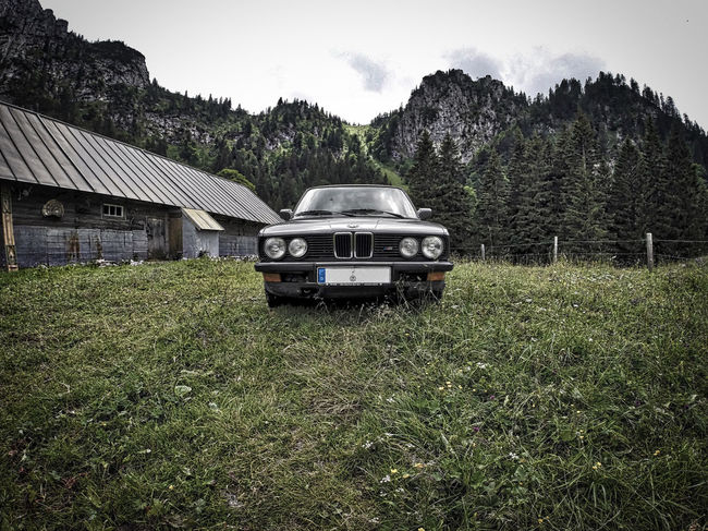 We found that BMW on our ascent to the Benediktenwand near by the Tutzinger Hütte on our hike from Munich to Venice. Alp Alpen Alps Bayern Benediktenwand Bmw Car München Oldtimer Traumpfad Tutzinger Hütte Venedig