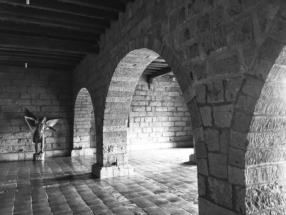 Monochrome Photography Arch Architecture Built Structure Brick Wall Wall - Building Feature Cobblestone Building Exterior Paving Stone History Stone Wall Arcade Architectural Column Day Stone Material Arched Tourism Medieval
