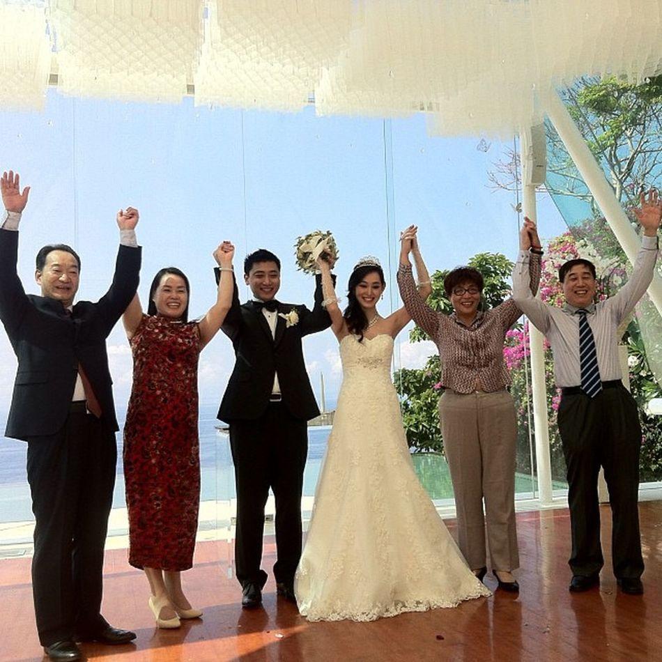 Baliiiiiiiii....???? Bride Groom Chapel Wedding weddingevent weddingorganizer wo beach beautiful uluwatu bali instadaily instagram photooftheday