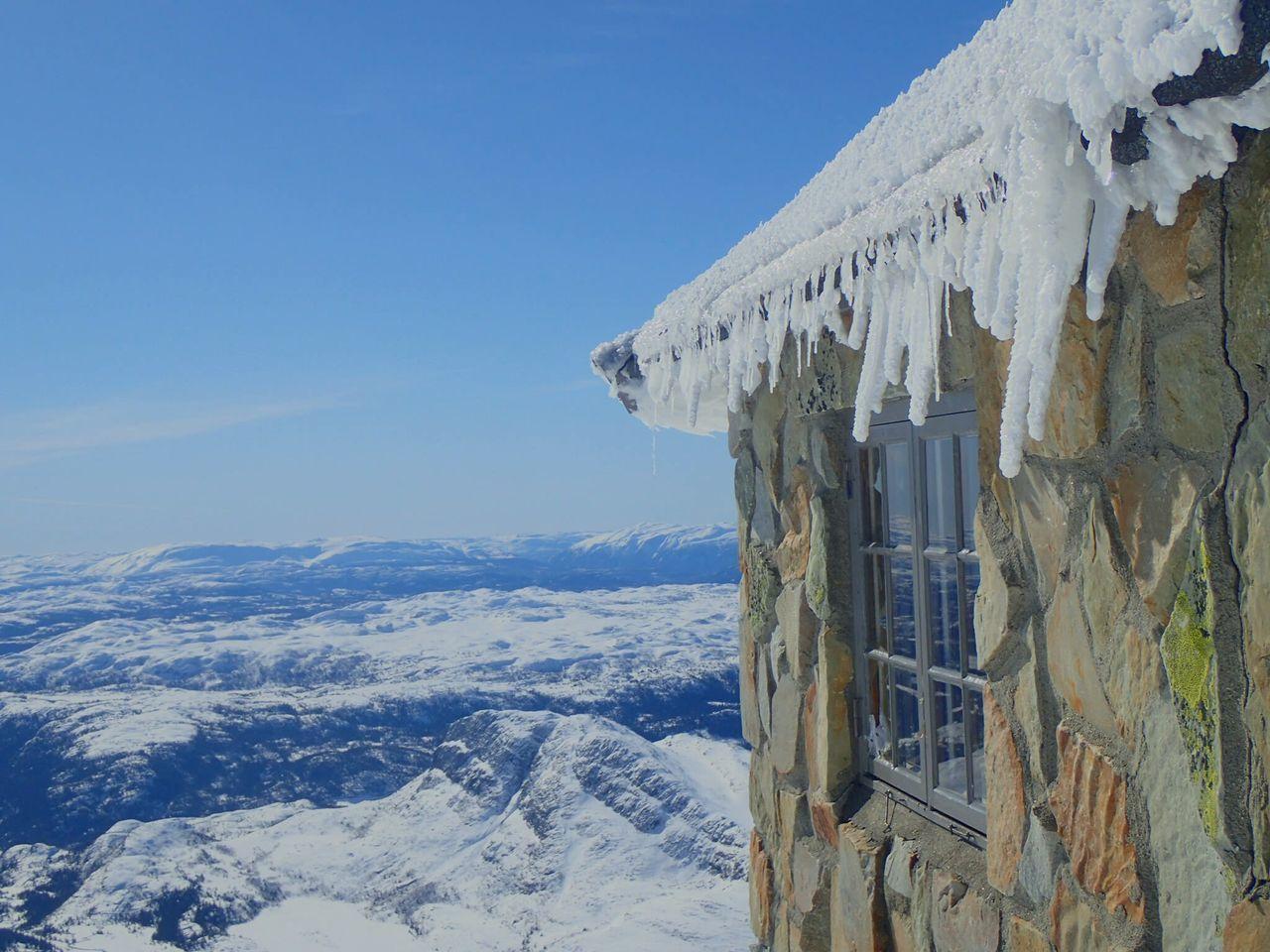 🌞🌞🌞🌞🌞whAt a fridaY🌞🌞🌞🌞🌞Gaustatoppen, Norway Gaustatoppen Telemark Visittelemark Whataview Backcountryskiing Helloworld HelloApril Iloveskiing Topptur Ilovenorway Enjoying Life Onthetopoftheworld Damgooddays Springtime