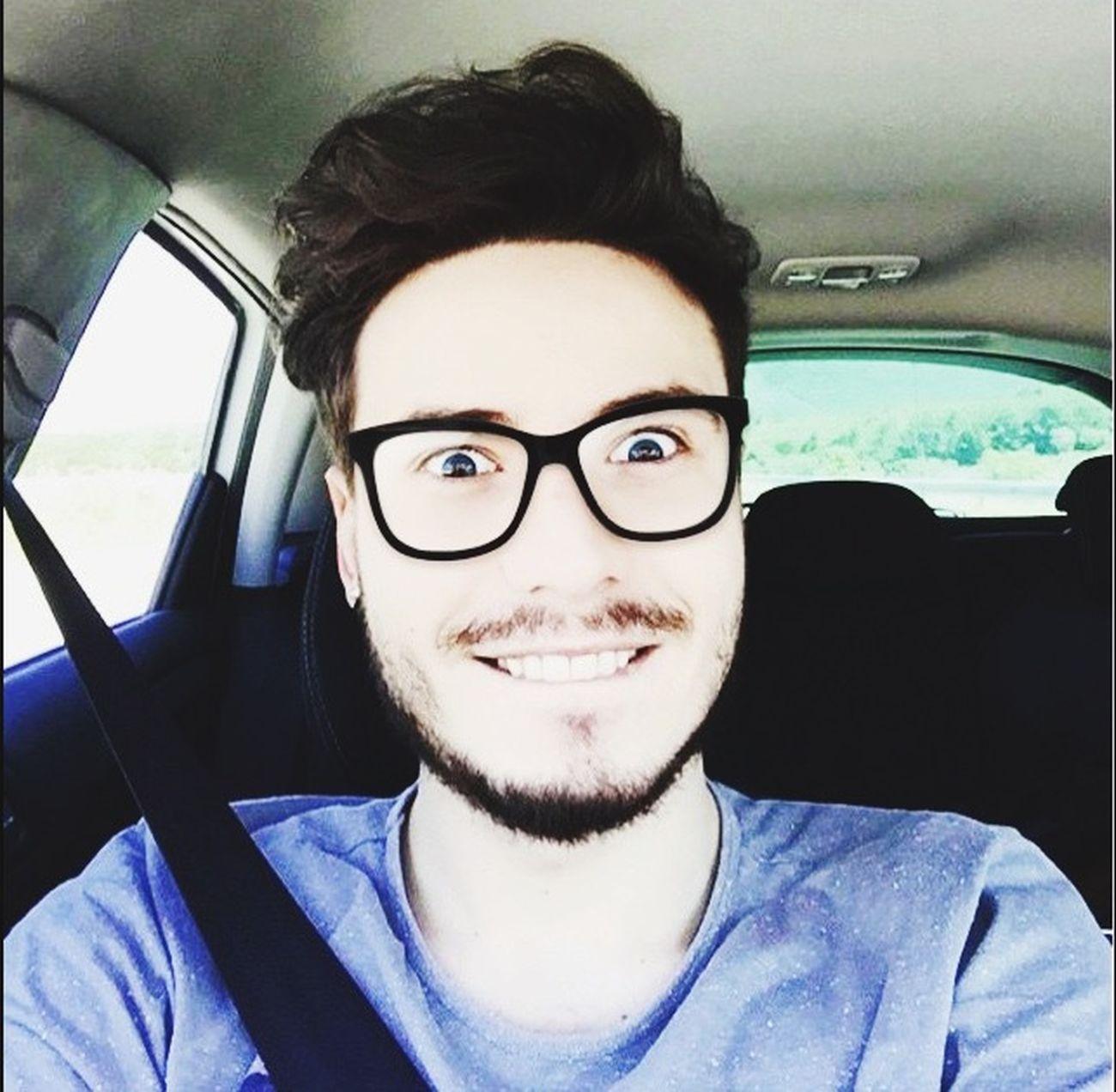 Küpe Gozluk Gozler Eyes Selfie ✌ Smile Happy Mutluluk Ay çok mutluyum 😂