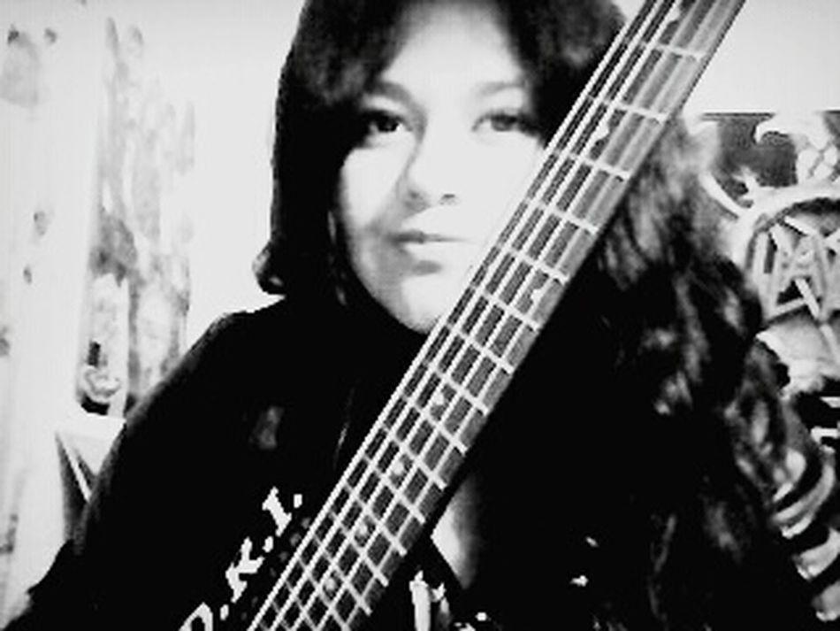 ?Bass Player Bass Guitar Female Bassist